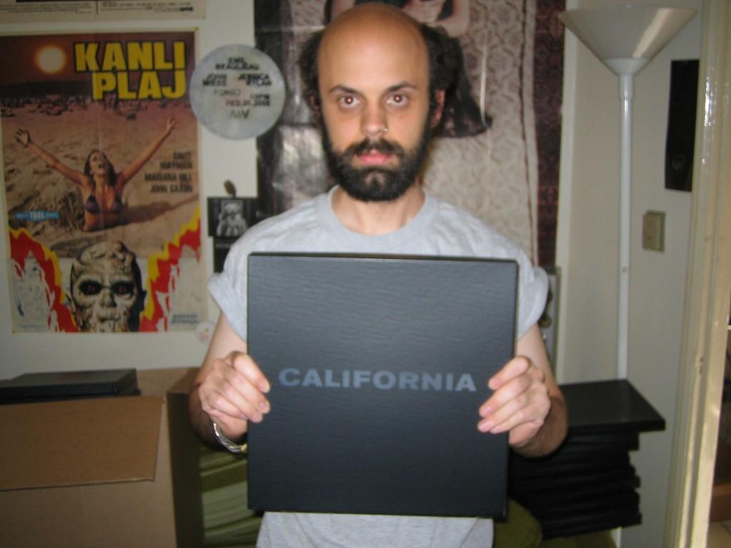 2006-05-31-california-boxset-assembly-3-photoby-john-wiese
